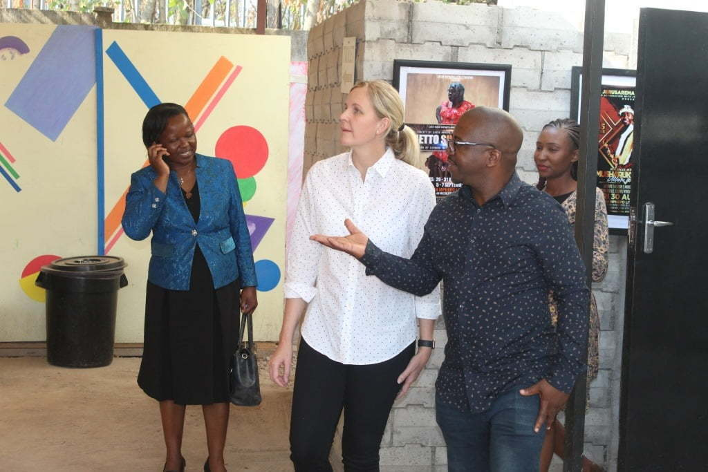 Minister-of-Arts-Kirsty-Coventry-taking-a-tour-of-the-Little-Theatre