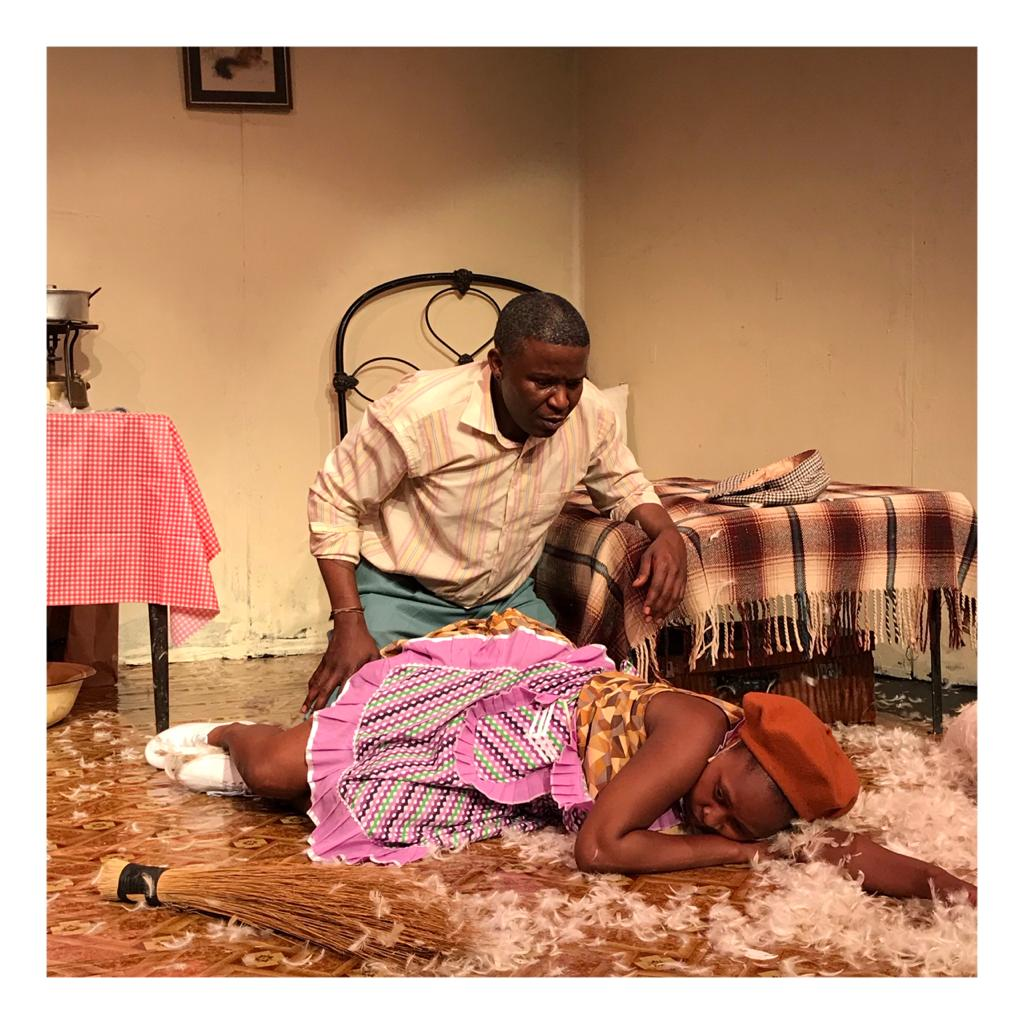 Sanelisiwe Yekani and Khulu Skenjana in Dead End at Joburg Theatre